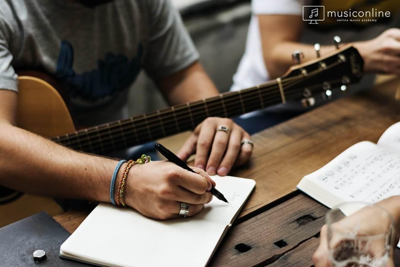 Şarkı Sözü Yazmak